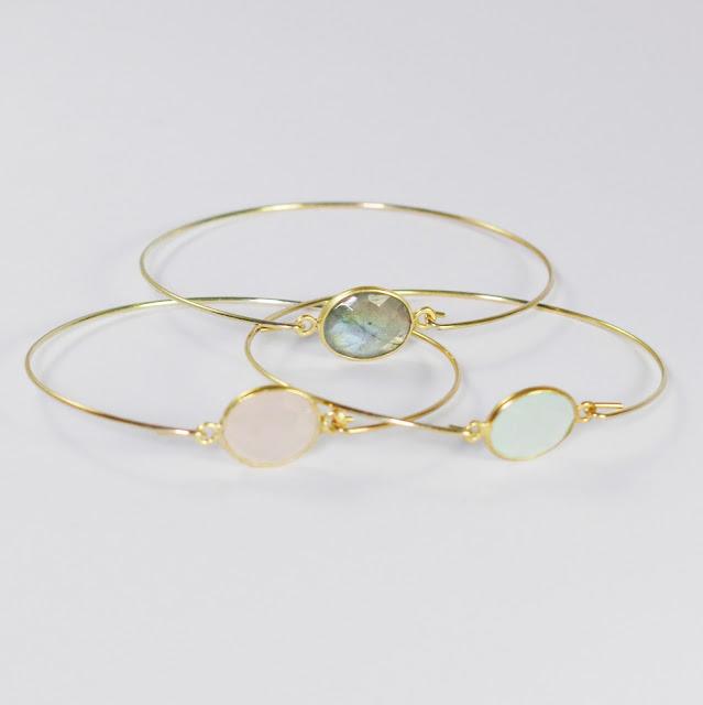 https://www.etsy.com/fr/listing/519817197/bracelet-jonc-calcedoine-labradorite-ou?ref=shop_home_feat_4