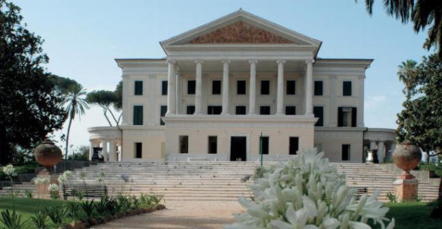 """Villa Torlonia e i voli dell'Orlando Furioso - Visita guidata con biglietto d'ingresso """"gratuito"""" la prima domenica del mese Roma"""