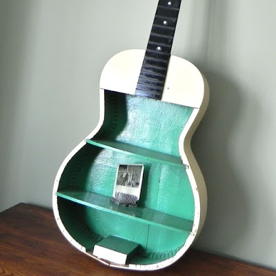Ideas para reciclar guitarras viejas.