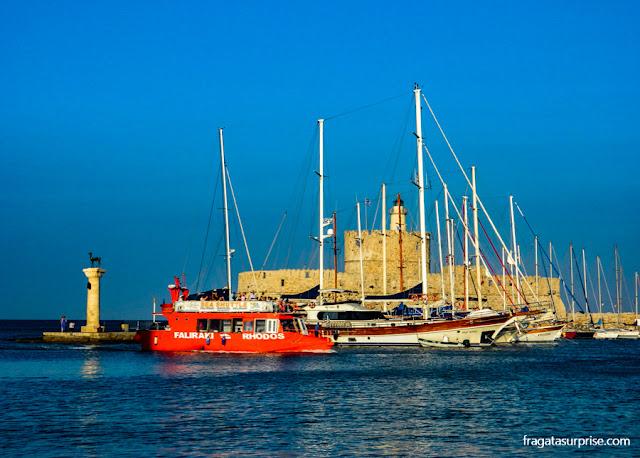 Lancha para Faliraki, Ilha de Rodes, Grécia