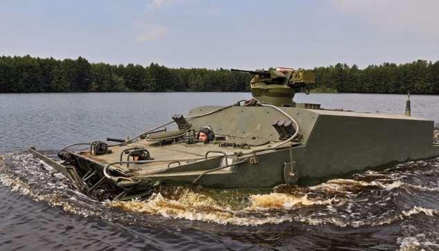 Pengangkut lapis baja modern terapung Rusia