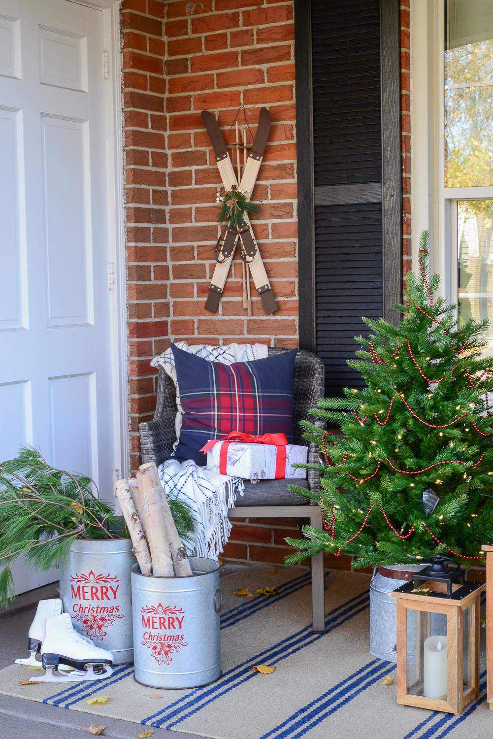outdoor christmas decorating ideas front porch, porch christmas decor, country christmas porch