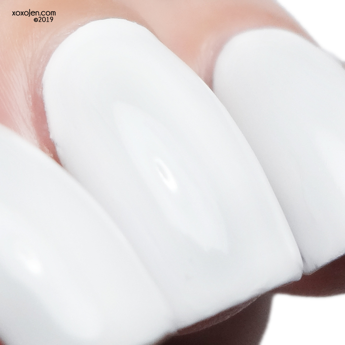 xoxoJen's swatch of kbshimmer White Here White Now