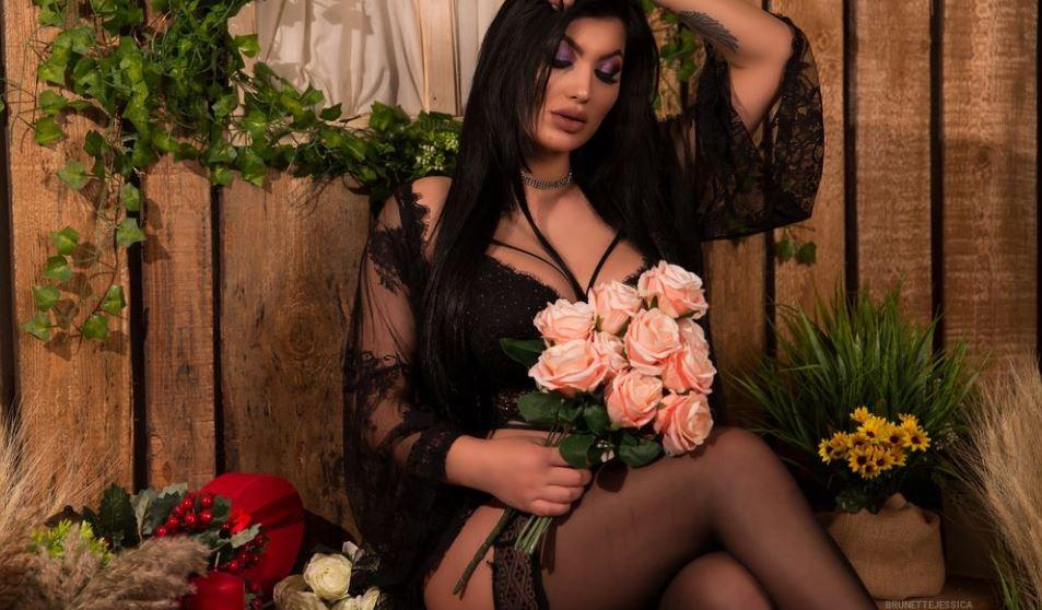 BrunetteJessica Model GlamourCams