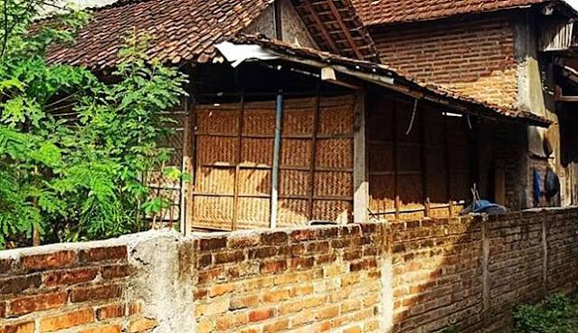 Kisah Warga yang Terpaksa Melompat Pagar karena Jalan Masuk Rumahnya Ditembok Tetangga