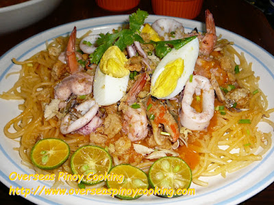 Pansit Palabok, Rice Noodles with Seafood