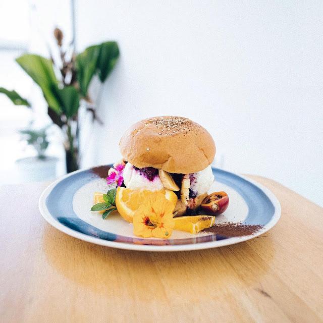 Menu Makanan di Montana Del Cafe Bali