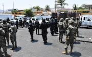 DETIENEN A CINCO PERSONAS, ENTRE ELLOS DOS COLOMBIANOS EN MERCADO DE ACAPULCO AL DECOMISAR 60 MÁQUINAS TRAGAMONEDAS