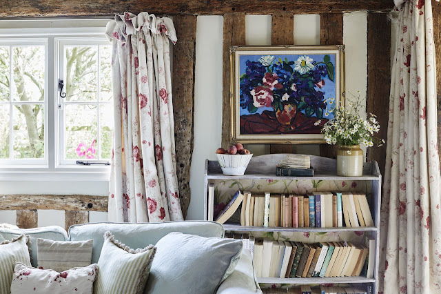 floral curtains cottage living room