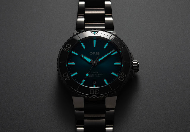 Oris Aquis Date Oceanic Blue