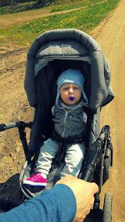 Oli na spacerze,wiosna,synek w wózku