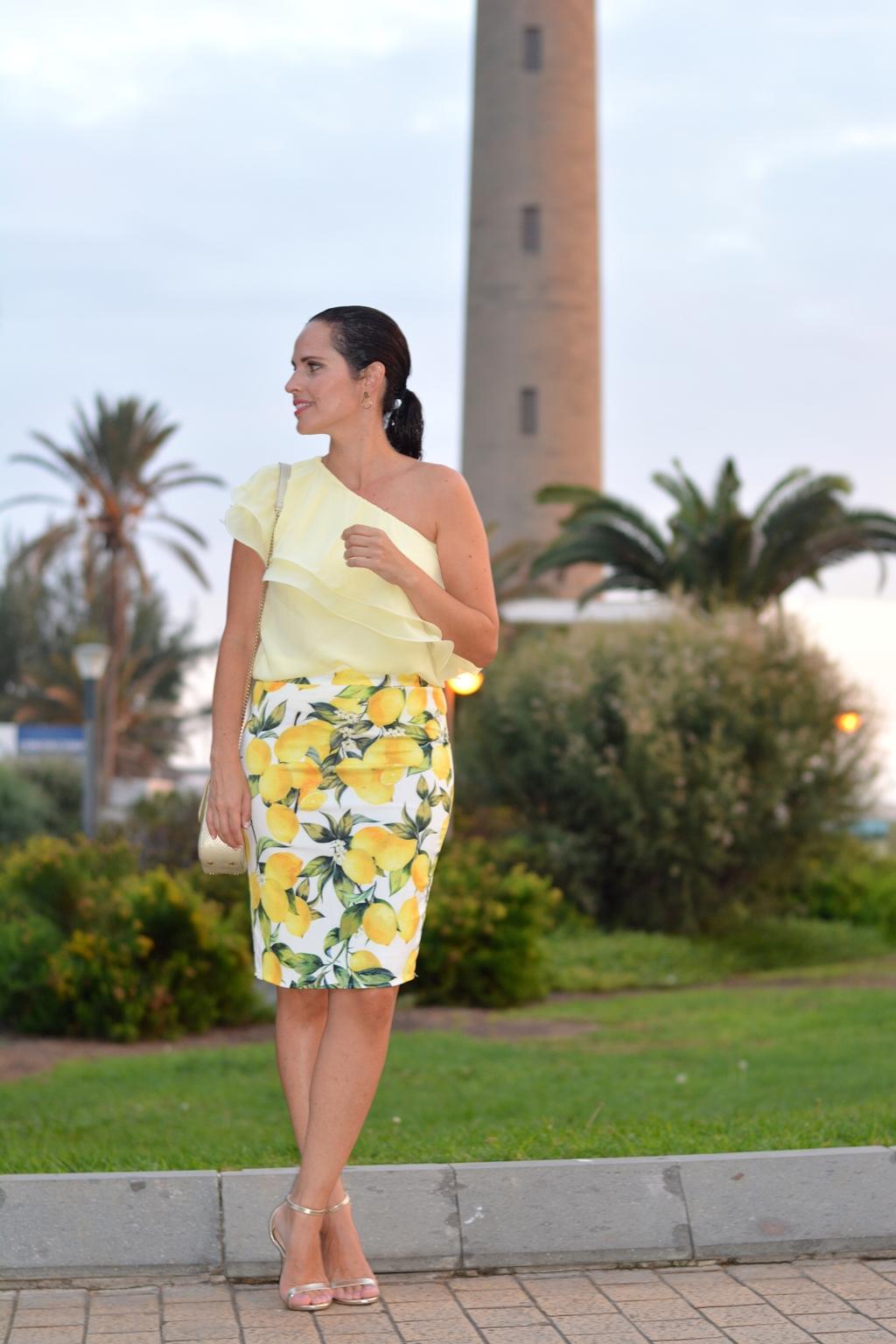 outfit-estampado-limones-street-style