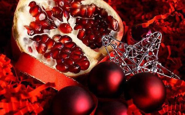 Κόβει την Πρωτοχρονιάτικη πίτα του τo Πολιτιστικό Κέντρο Ιρίων