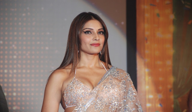 Bipasha Basu Images & Hot Photos