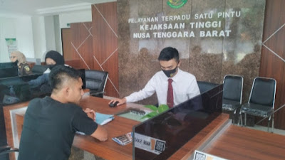 Koordinator Posko Pengaduan RTG Resmi Masukkan Laporan ke Kejati NTB