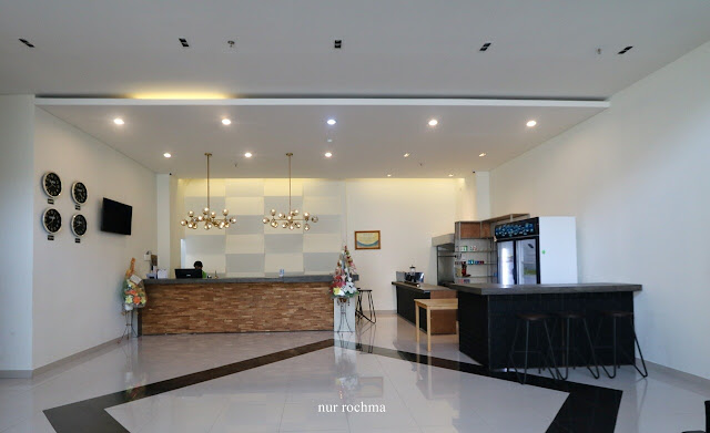 votel hotel charis tuban