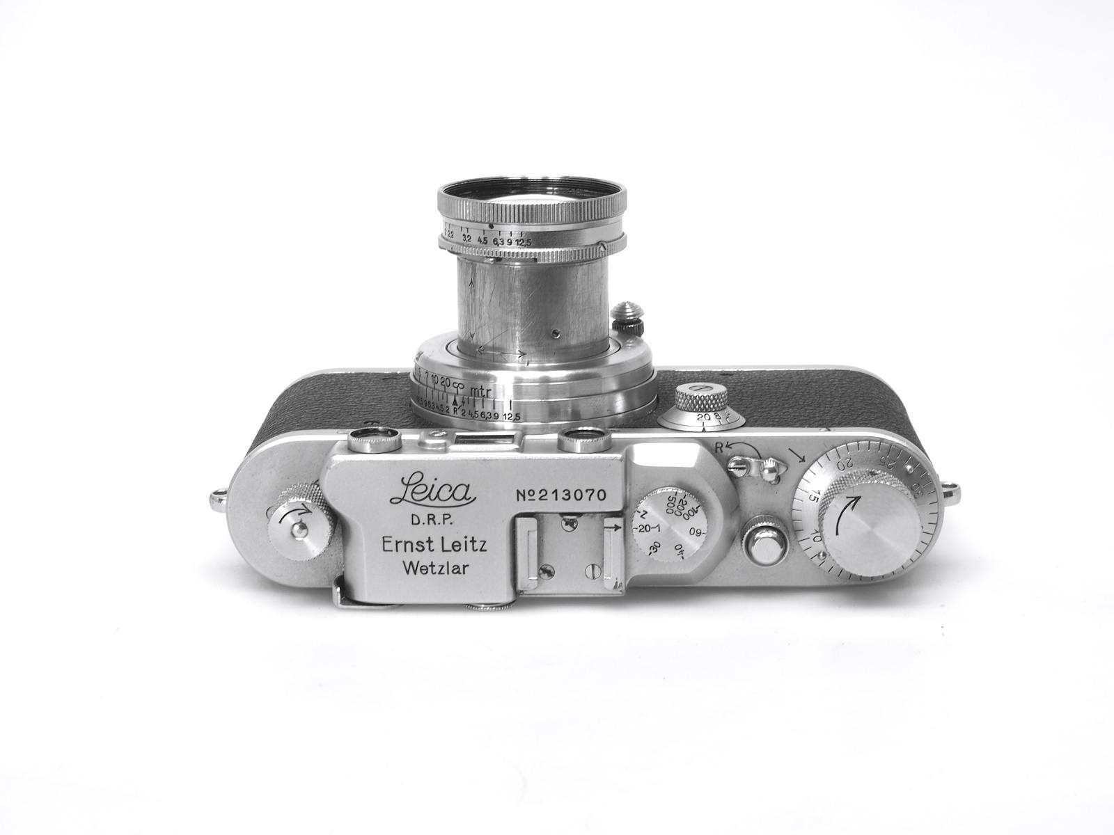 Leica Iii Entfernungsmesser : Messsucherkamera leica iiif mit leitz elmar objektiv stockfoto