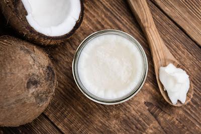Farbowanie włosów na olej kokosowy – efekty, porady