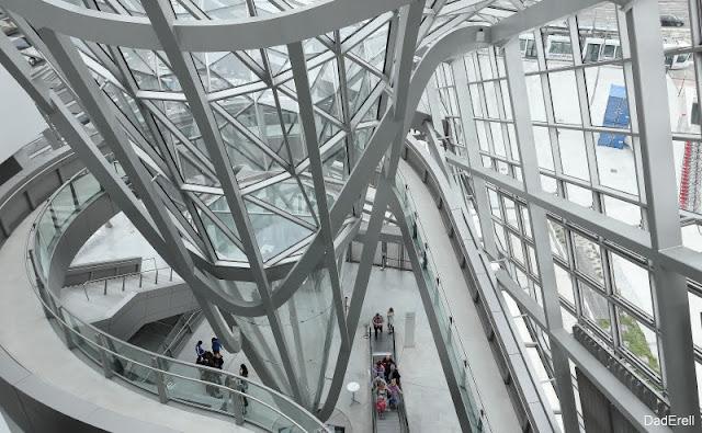 Hall d'entrée du Musée des Confluences de Lyon