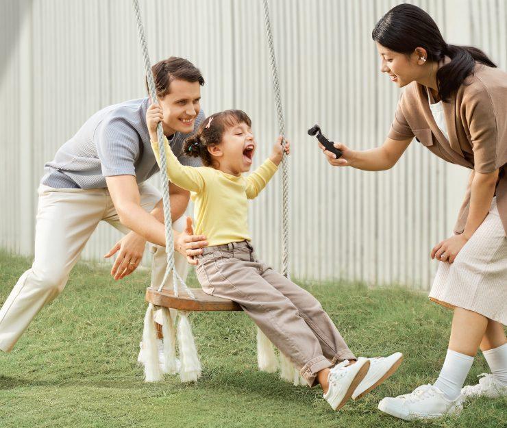 Семья использует DJI Osmo Pocket 2