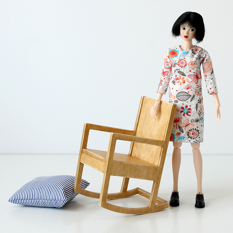 sixth scale rocking chair for dolls