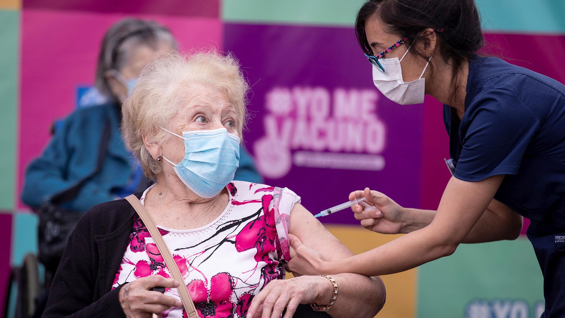 Coronavirus: Chile ya vacunó a más de 550.000 personas en tres días y lidera la región