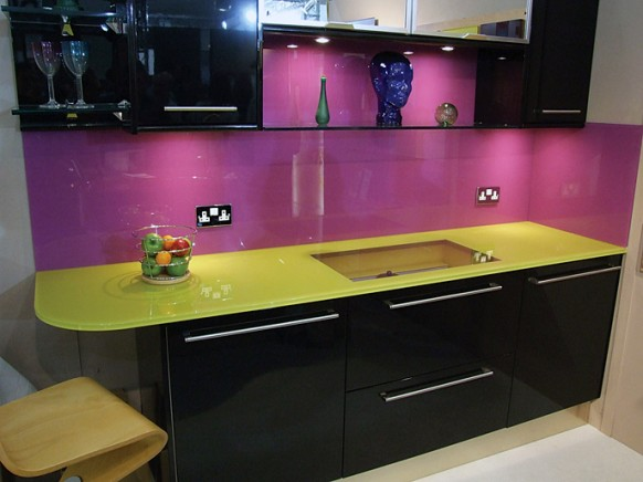 ديكور مطابخ باللون البنفسجي روعة Sanzy