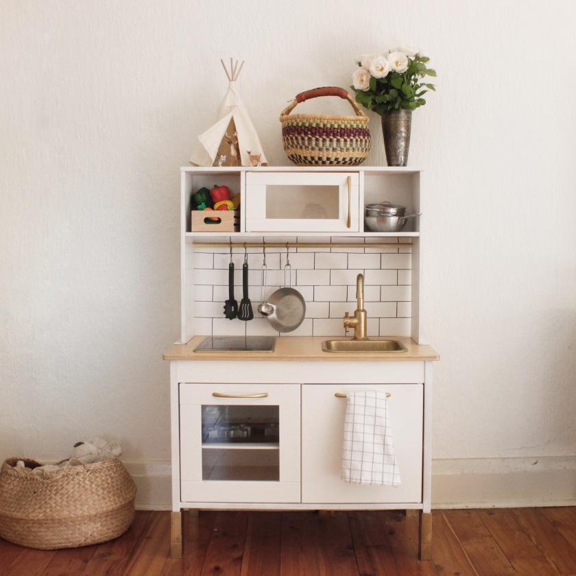 De lunares y naranjas ideas para customizar duktig la for Papel pintado cocina ikea