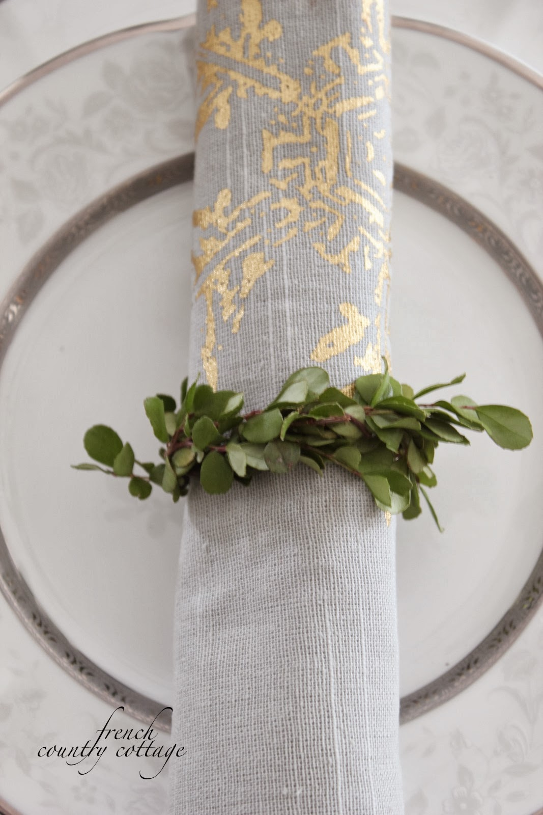 Love the imprint idea. I've seen the napkin rings in antique stores, but could never figure out how to bend them. Of course you had the solution.