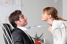 10 Tips Agar Disayang Atasan ( Hati Boss Meleleh )