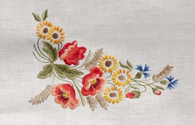 Hình thêu hoa dại