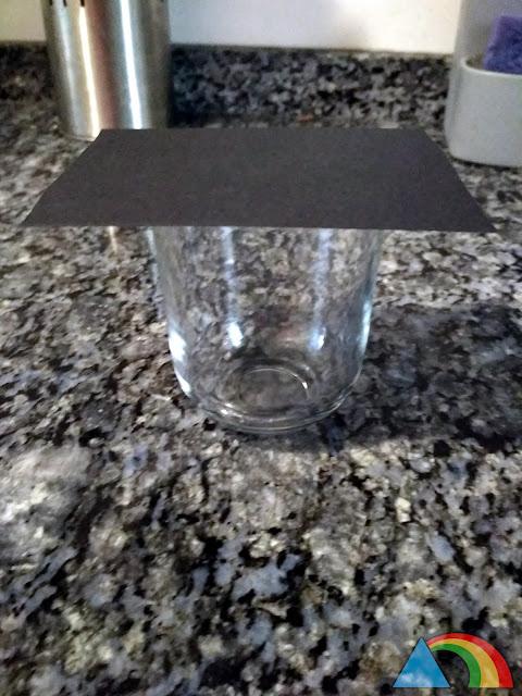 Vaso de cristal y cartulina