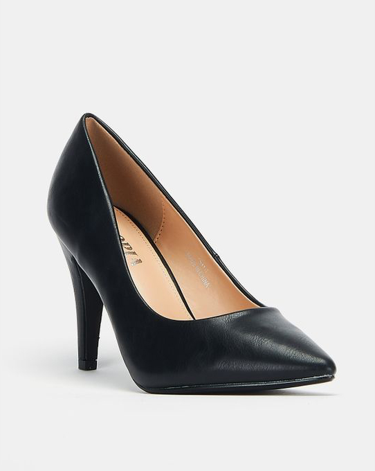 BASIC BLACK COURT SHOE