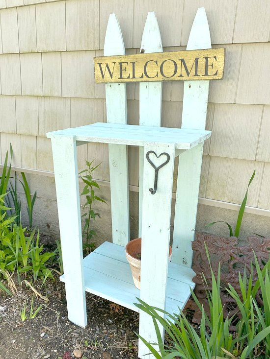 diy garden table from a picket fence