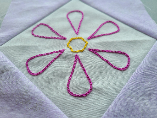 Embroidered flower block | DevotedQuilter.com