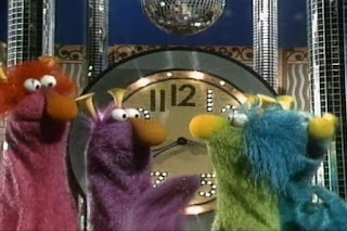 The Honkers sing Honk Around the Clock. Mr Honker and Henrietta are also among the singers. Sesame Street 123 Count with Me