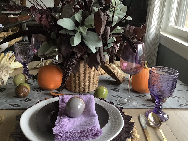Setting a gorgeous Fall Tablescape for your kitchen