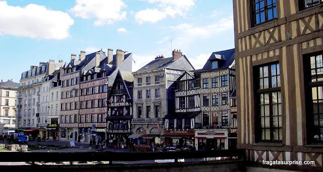 Praça Velha do Mercado, Rouen, local da execução de Joana D'Arc