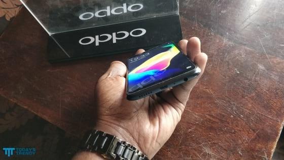 Oppo A83 bottom