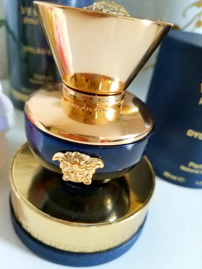 Review: VERSACE - Dylan Blue pour femme Eau de Parfum - Madame Keke Luxury Beauty and Lifestyle Blog 5