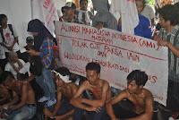 AMI Gelar Aksi, Tolak Cuti Paksa Mahasiswa IAIN Mataram