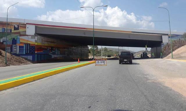 Continúan trabajos de rehabilitación en la Av. intercomunal Barquisimeto-Duaca