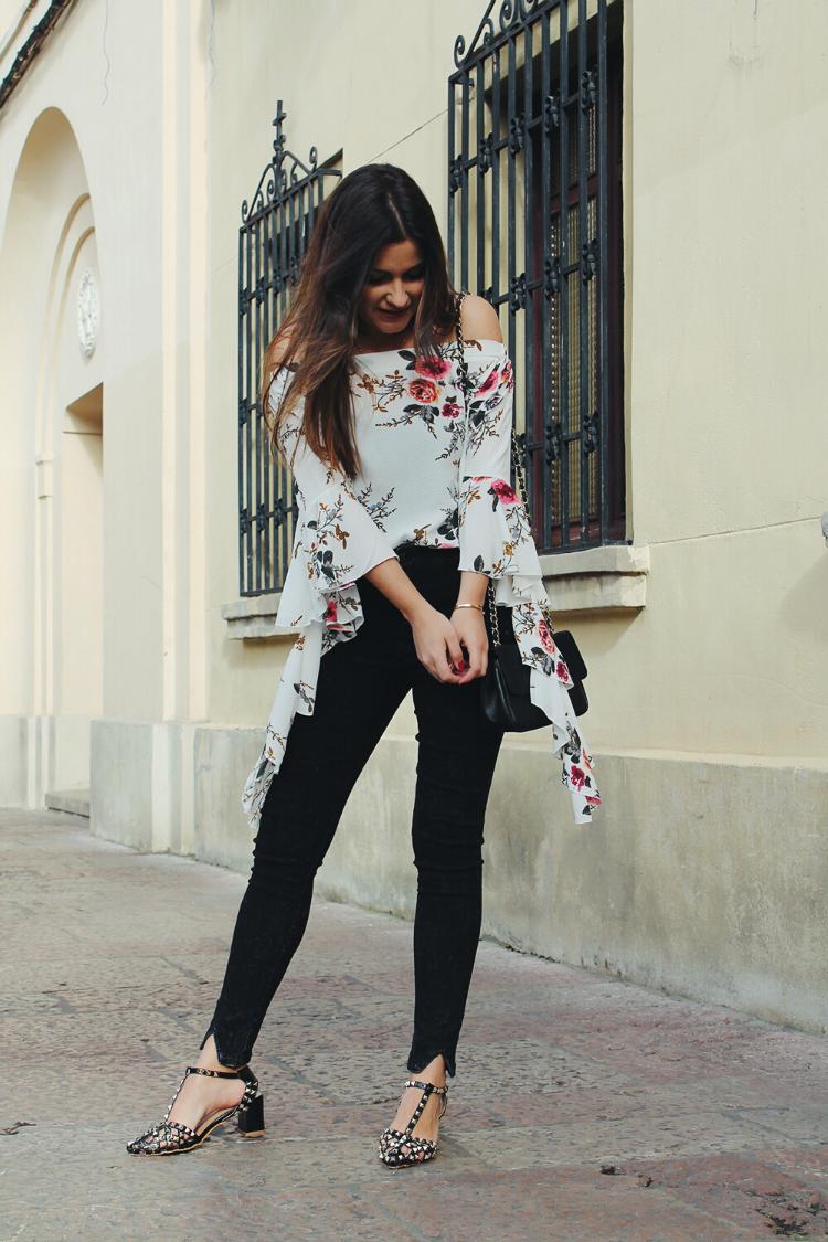 look con blusa de flores blog de moda