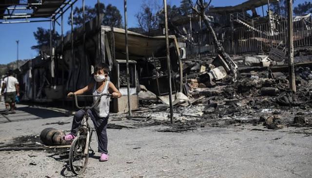 Incendio destruye campamento de Moria