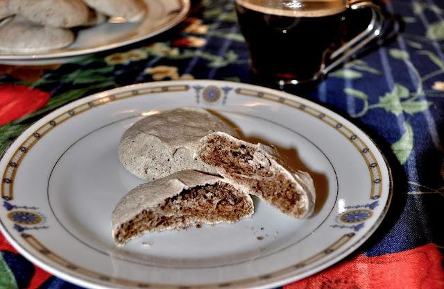 Cinnamon Spice Macaron Cookies