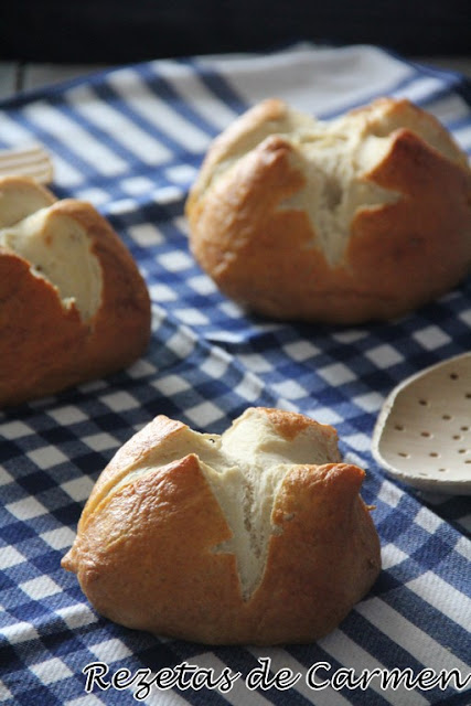 Bollitos tipo pretzel [Dia Mundial del pan]