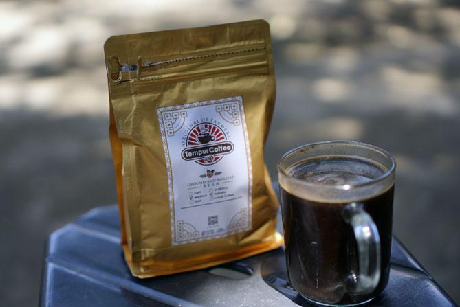 Secangkir kopi tempur Jepara