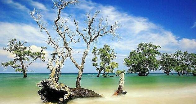 wisata pantai lhok mee pasir putih aceh besar