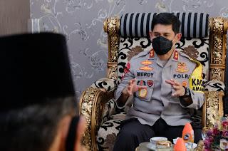 Kapolda Sulsel Silaturahmi ke Kediaman Pimpinan Wilayah Dewan Mesjid Sulsel