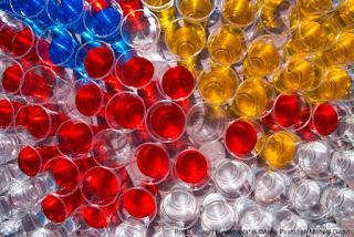 http://www.ecobioshopping.it/it/7-bicchieri-bioplastica
